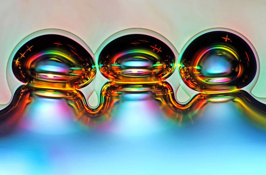 6th place / Title : Bubbles formed from melted ascorbic acid crystals / Photographer : Marek Mis