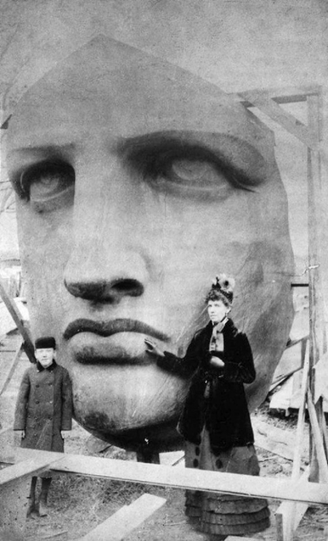unpacking-the-statue-of-liberty-1885